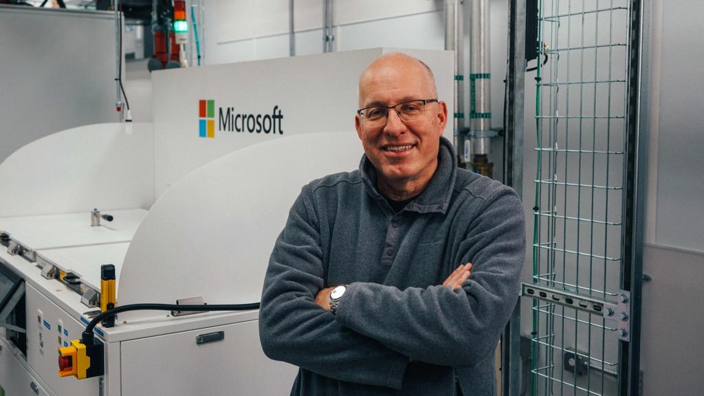 Microsoft sumerge los servidores en un líquido hirviendo para evitar los cortes de Teams