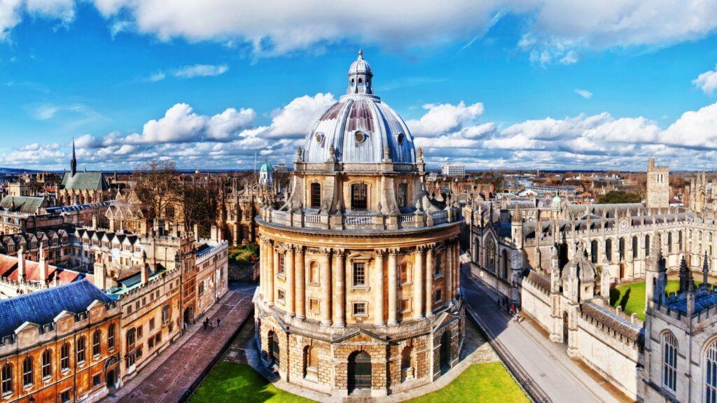 Oracle y la Universidad de Oxford se alían para identificar nuevas variantes del COVID-19