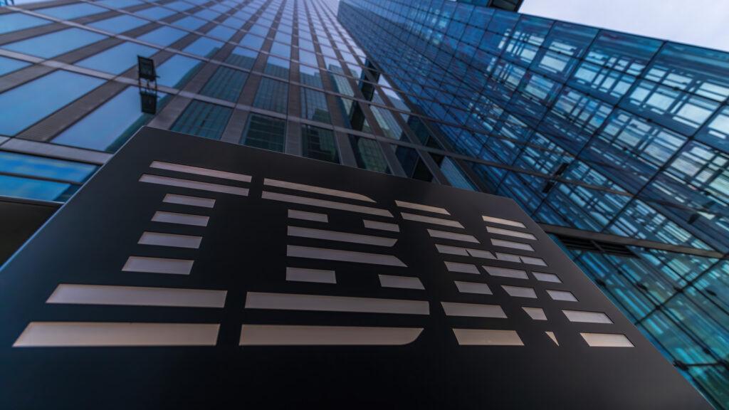IBM ultima la adquisición de una consultora de nube híbrida